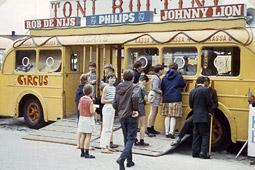 De ingang van circus Toni Boltini zag er zo uit.